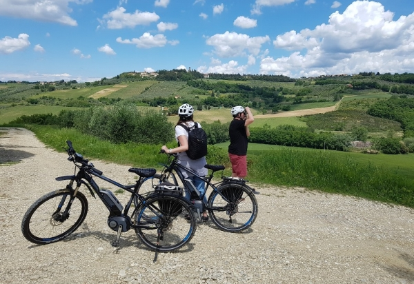Montespertoli hills by E-Bike